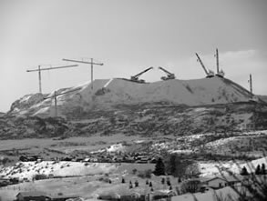 Flocks of cranes can be seen nesting on the Sleeping Giant.